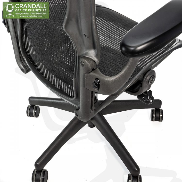 Crandall Office Refurbished Herman Miller Aeron Chair Black Frame and Mesh 3D01 Size B 0007